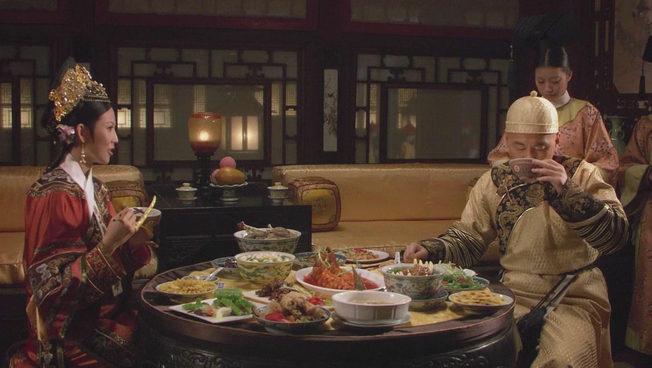 《甄嬛傳》看似簡單的一碗鴨子湯,卻揭露了皇后不得寵的事實!歷史上不得寵的是皇后還是華妃?- 我們用電影寫日記