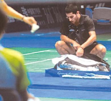 他坐12小時飛機只為上國際羽毛球賽場26分鐘,卻是整個國家的驕傲